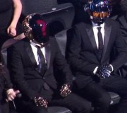[LOL] La réaction des Daft Punk pendant la prestation de Miley Cyrus